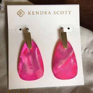 NWOT Pink earrings